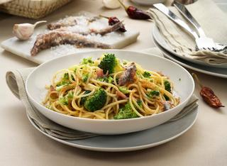 Pasta con broccoli e acciughe