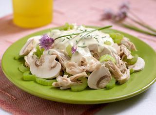 Ricetta Insalata di pollo sedano e champignons