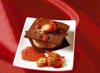 Mousse di gianduia e salsa di fragole