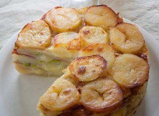 Torta di patate con porri e speck