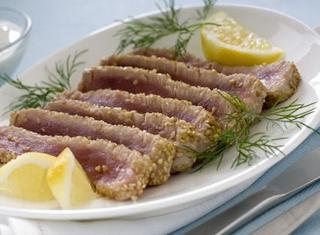 Ricetta Filetto di tonno in crosta di sesamo