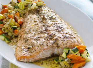 Ricetta Filetto di salmone con verdurine