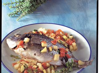 Ricetta Orata con patate e zucchine