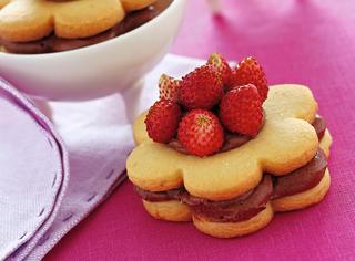 Ricetta Biscotti ripieni con fragoline di bosco
