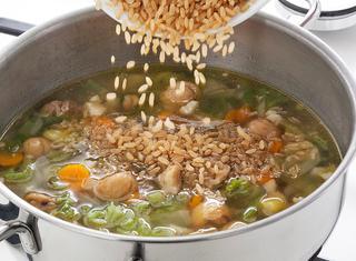 Ricetta Minestrone di riso con verza e castagne