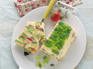 Ricetta Tiramisù alla crema con frutta fresca e profumo di menta