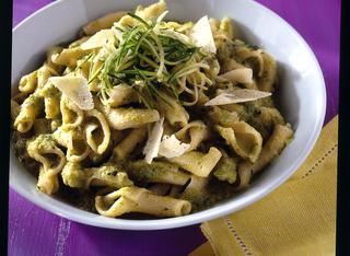 Pasta con crema di zucchine e pecorino