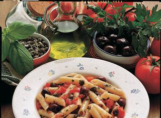 Penne olive e capperi
