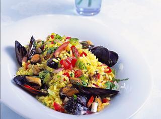 Insalata di riso con cozze e verdure