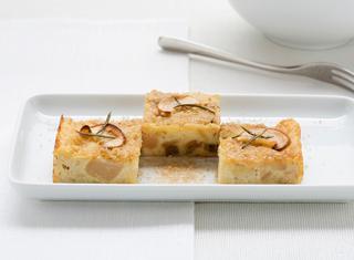 Ricetta Torta di pane con mele rosse