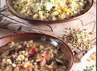 Zuppa di cereali ai porcini