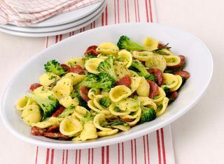 Ricetta Orecchiette con salamino piccante e broccoli
