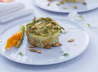 Ricetta Sformatini alle zucchine con fiori e semi di zucca