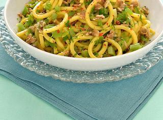 Ricetta Spaghetti vongole e sedano