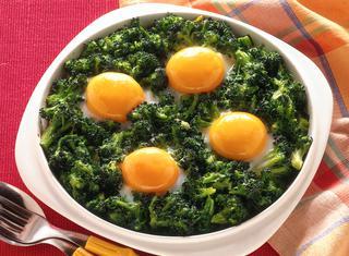 Ricetta Uova con broccoletti