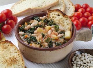 Zuppa toscana di cavolo nero