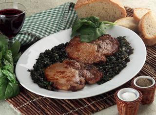 Braciole di maiale con spinaci
