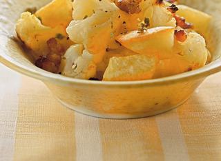 Cavolfiore con patate e salsiccia