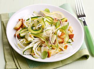 Ricetta Insalata di zucchine crude e cipollotti
