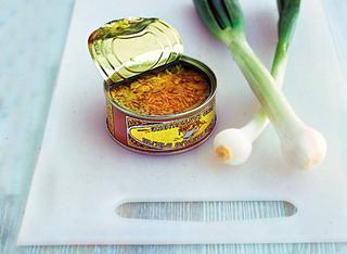 Ricetta Crostatine calde di tonno e cipollotti