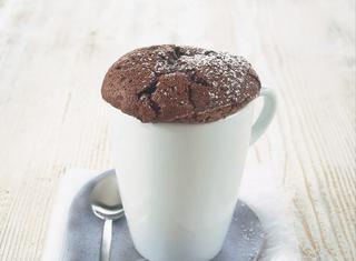 Souffle al cioccolato con zucchero e uova