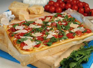 Ricetta Pizza rucola e pomodorini
