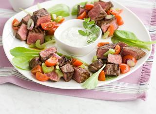 Ricetta Manzo alla griglia con salsa greca