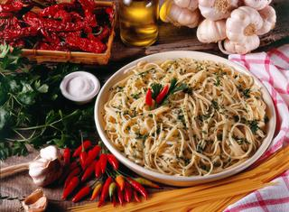 Linguine aglio olio e peperoncino