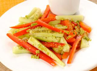 Cruditè di verdure con salsa alle olive
