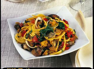 Ricetta Spaghetti con vongole e zafferano