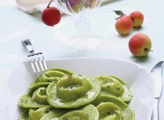 Ricetta Ravioli verdi con ripieno di fonduta