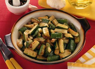 Ricetta Zucchine in padella con cipolla