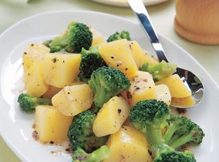Broccoli con acciughe e patate