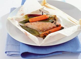 Ricetta Piccoli filetti di orata con verdure al cartoccio