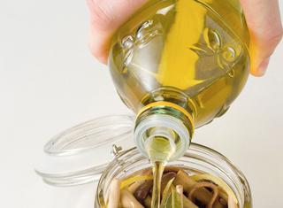 Ricetta Chiodini sott'olio con acciughe e limone
