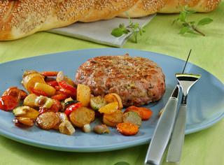 Hamburger di pollo e verdure