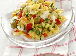 Ricetta Insalata di pasta con verdure grigliate e mozzarella