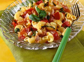 Pasta speck e pomodori