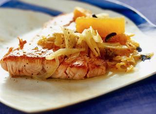 Ricetta Filetto di salmone con finocchi e arance rosse