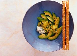 Come preparare l'insalata di patate con avocado
