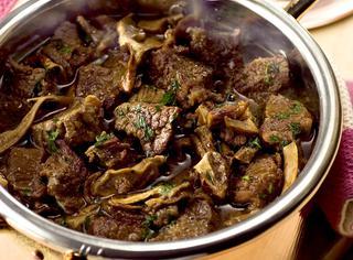 Come preparare lo spezzatino di manzo ai funghi