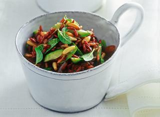 Riso rosso con zucchine e menta