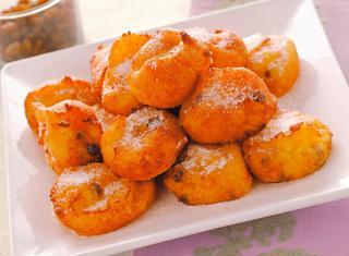 Frittelle dolci con riso e uvetta