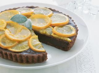 Crostata morbida con cioccolato e marmellata d'arance