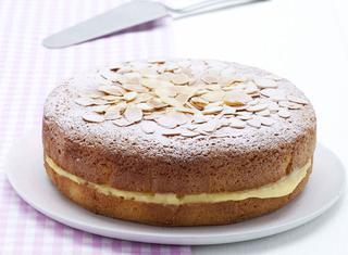 Torta all'arancia soffice con crema