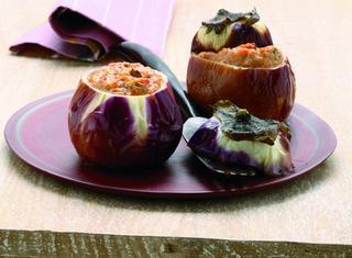 Melanzane ripiene di pomodoro e mozzarella