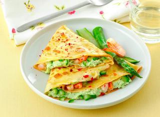 Crepes con asparagi e gamberi