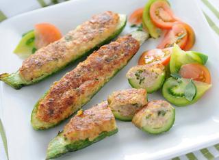 Zucchine ripiene con prosciutto cotto e carne trita