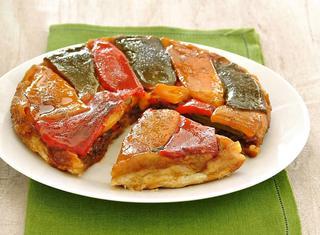 Torta salata rovesciata ai peperoni