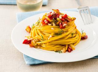 Pasta con peperoni e zafferano